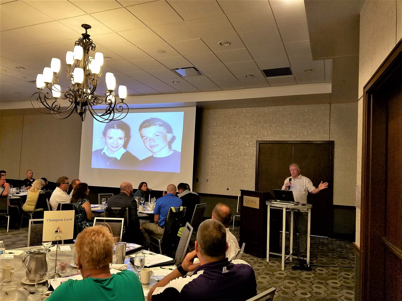Darrell Scott brings Rachel's Challenge to the Trumbull County Administrators' Conference.