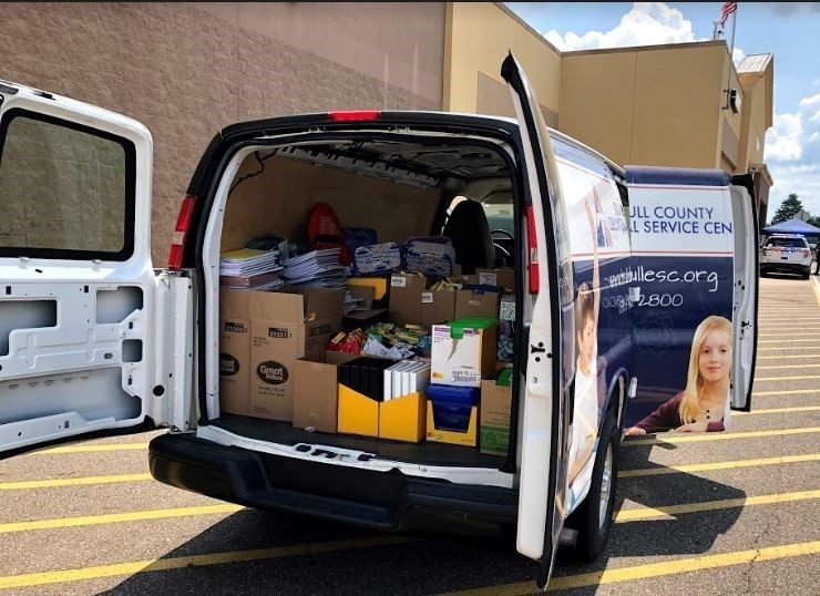 TCESC & OSHP team up to collect school supplies for Trumbull County students.