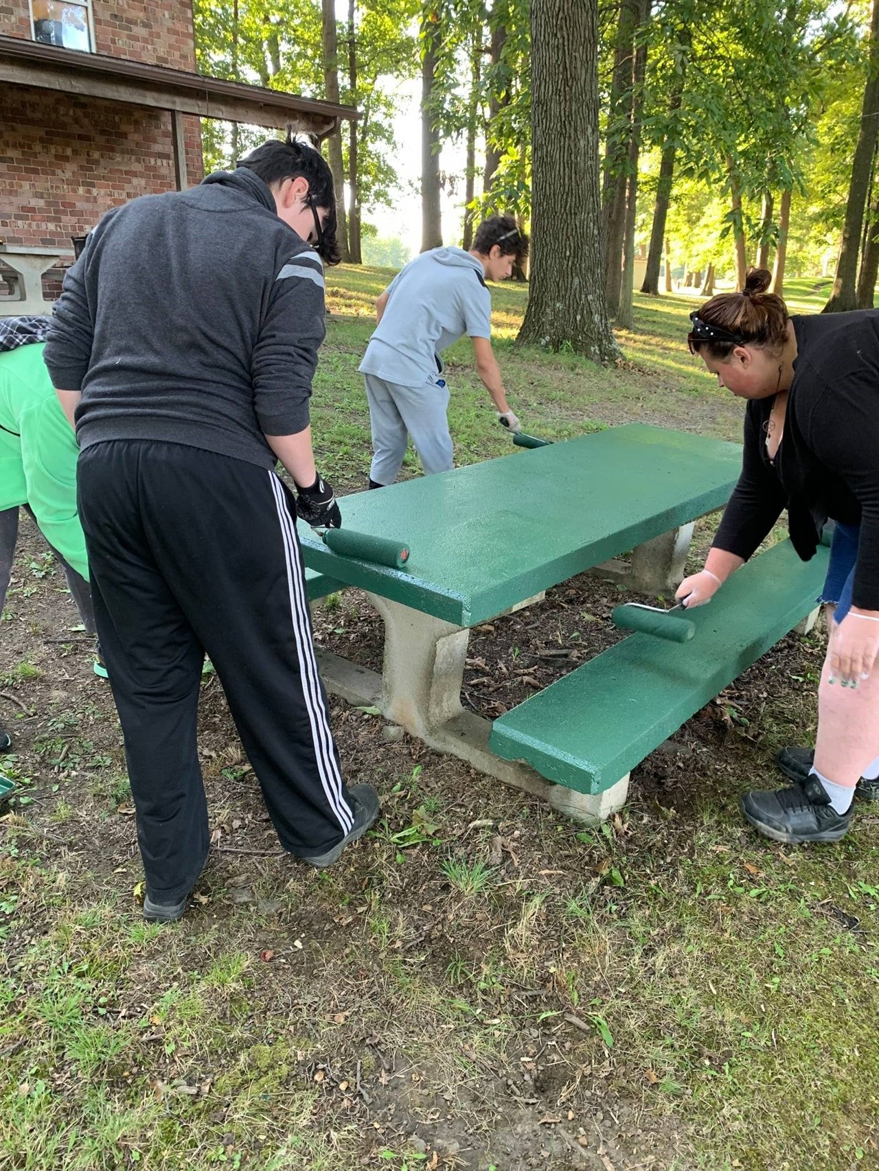 TCESC ED vocational students learn on-the-job training skills in Niles.